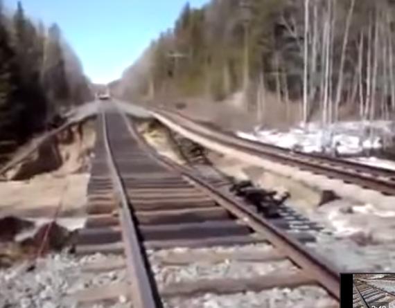 Bahndamm wird unterspült