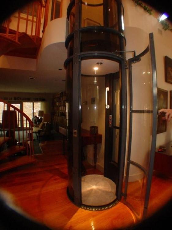 Nachträglich zu montierender Aufzug