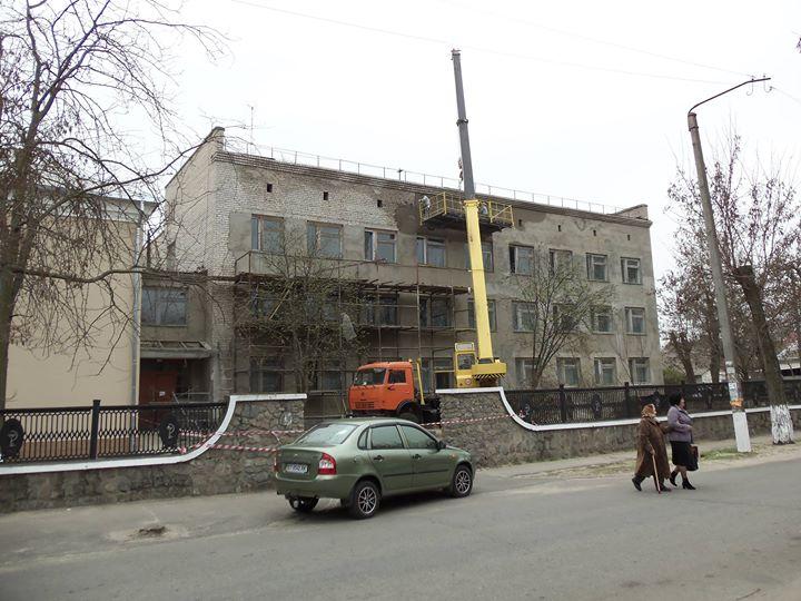 Das Gerüst hätte eh nicht gereicht! Aufnahme von 2010 Südukraine Nowa Kachowka P